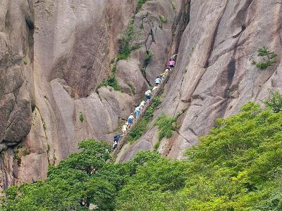 Narrow Cliff in Mount Huangshan