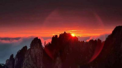 Sunset in Mount Huangshan